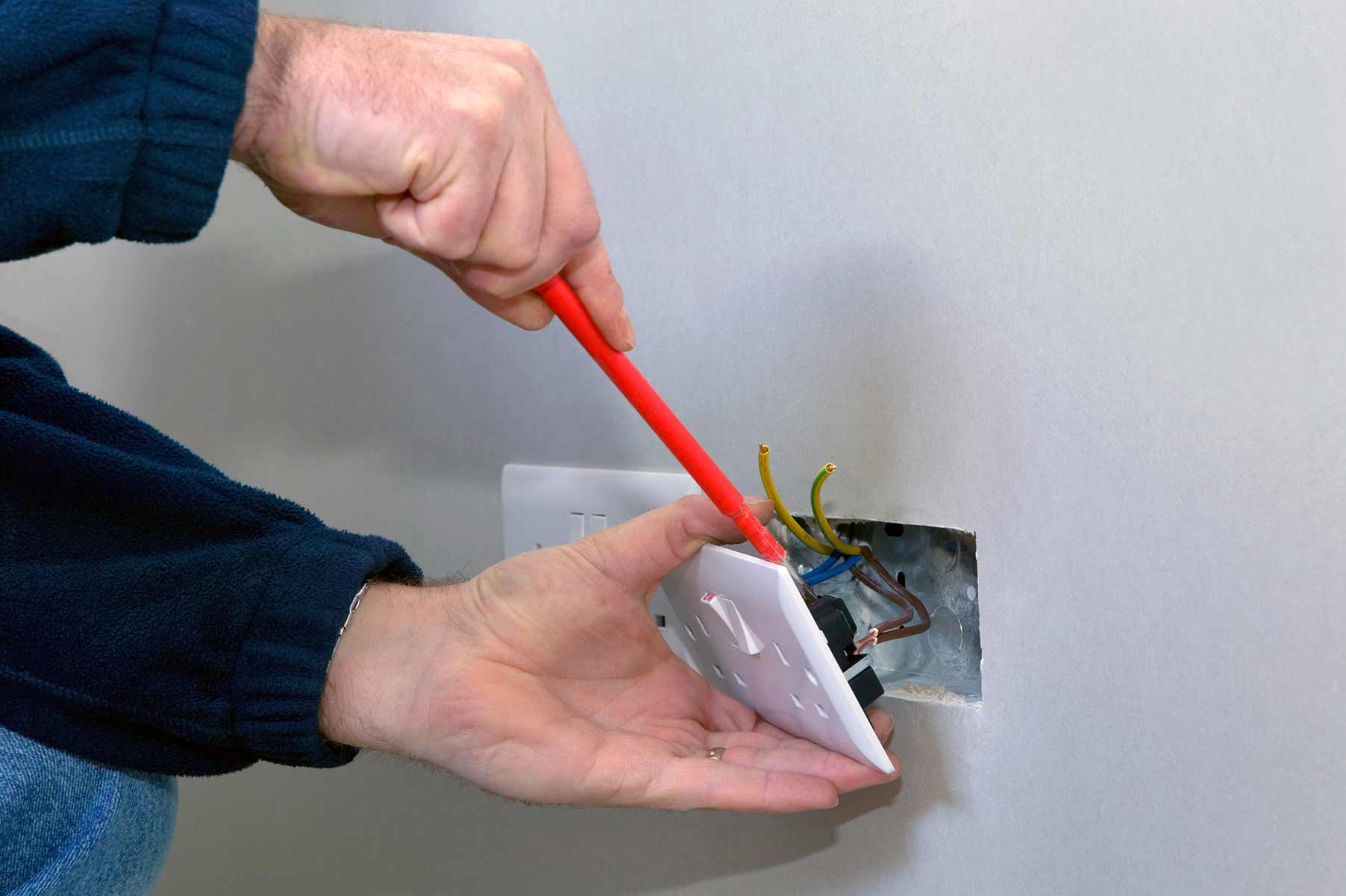 Our electricians can install plug sockets for domestic and commercial proeprties in Frinton and the local area.